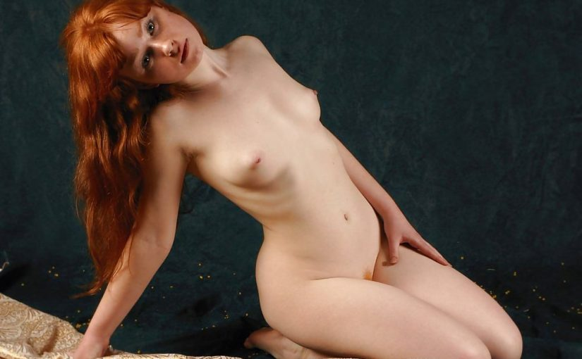 90 Hot Redhead Girls NSFW Photo Gallery